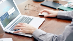 如何在网页上添加在线聊天窗口